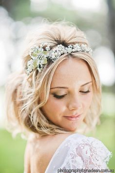 Schön wie ein Bild zarte Spitze Hochzeit Kleid von Graceloveslace