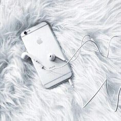 Imagem de iphone, white, and apple Iphone 6, Apple Iphone, Iphone Cases, Notebooks, Gadgets, Phone Organization, Diy Phone Case, Phone Charger, White Aesthetic