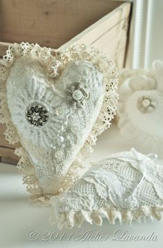 Cream and lace hearts Patchwork Heart, Crazy Patchwork, Shabby Chic Hearts, Fabric Hearts, Lace Heart, I Love Heart, Heart Crafts, Pearl And Lace, Creation Couture