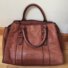 Gorgeous Liebeskind Marylin Tote Gorgeous Liebeskind Marylin Tote • In Scotch • Beautiful bag • In excellent condition • Normal wear but no fading, fraying or stains on bag. • Comes with shoulder strap and dust bag Liebeskind Bags Totes