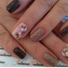 Meninas, peço a ajuda de vocês, Curta ❤ e principalmente comente ? Cute Acrylic Nails, Glitter Nail Art, Hot Nails, Hair And Nails, Nail Polish Designs, Nail Art Designs, Vanessa Nails, Natural Nail Art, Short Nails Art
