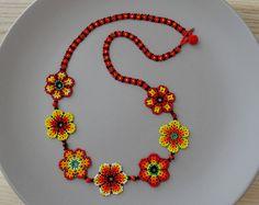 Collar Mexicano de Flores Largo  - Rojo, Naranja y Amarillo - hecho a mano con puntada de peyote  por Luciana Lavin