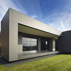 Sharp sleep black lines on this @nulookhomes project in Gidgegannup featuring Scyon. See more design ideas here: http://scyon.com.au/design-ideas