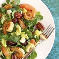 Cumin/Coriander Shrimp & Beetroot Salad w/ Oranges, Goat Cheese and Toasted Pecans by the cafesucrefarine #Salad #Shrimp #Beets #Oranges #Cumin #Coriander