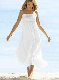 White dresses are so pretty