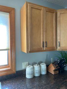 Light Oak Cabinets, Oak Bathroom Cabinets, Pine Kitchen Cabinets, Honey Oak Cabinets, Birch Cabinets, Staining Cabinets, Best Kitchen Colors, Kitchen Wall Colors, Painted Pine Walls