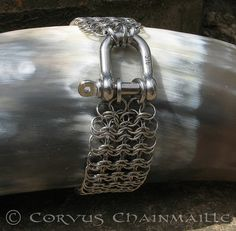 Bill's-Cuff - by corvus via maillers worldwide