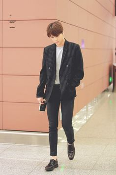 Kai - 160424 Shenyang Airport, arrival from Incheon Credit: Mr. Destiny. (선양공항…