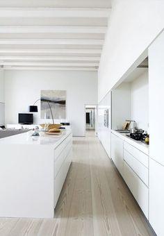 Lieblich 13. Mai 2015 Dieses Loft In London Piper Gebäude Sollte Wirklich Von  Gesponsert Werden Dinesen. Offene WohnkücheModerne Weiße KüchenHolzdielen Küchen ...