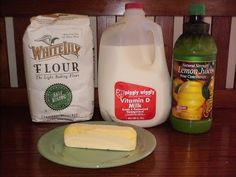 Homemade Buttermilk Biscuit Recipe- I have never been able to make biscuits,.until TODAY! Best Homemade Biscuits, Homemade Buttermilk Biscuits, How To Make Buttermilk, Cream Biscuits, Paula Deen Fried Chicken, Brunch Recipes, Snack Recipes, Great Recipes, Favorite Recipes