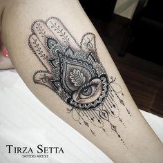 55 Spiritual Hamsa Tattoo Meaning and Designs Symbol Tattoos Motive, Leg Tattoos, Body Art Tattoos, Script Tattoos, Flower Tattoos, Mandala Tattoos For Women, Tattoos Tribal, Dragon Tattoos, Tatoos