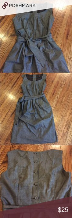 Charcoal H&M Dress Size 6 Like new H&M dress. Fully lined. Like new. Cute buttons in back. H&M Dresses