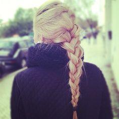 <3 Elsa's braid! @Leslie Lippi Bonilla