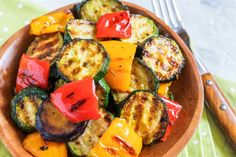 Summer is here, which means more time outdoors and grilling with your friends and family. Enjoy these healthy recipes cooked up on the grill! Easy Bbq Chicken, Grilled Bbq Chicken, Grilled Veggies, Ratatouille, Health And Wellness Center, Cooking Recipes, Healthy Recipes, Avocado Egg, Grilling