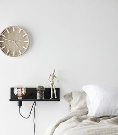 If you can't stop hitting the snooze button, why not try a new approach? This lamp is easy to reach in the morning and it will definitely keep you awake once you turn it on - it also looks awesome! Floating Nightstand, Minimalism, Usb, House Design, Interior Design, Table, Minimal Design, Lighting Ideas, Inspiration