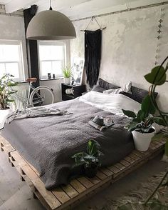 Minimalist Bedroom Design for Modern Home Decor - Pallet Decor Ideas which you can easily build. Pallet Decor Ideas projects with pallets is there are so many different type of items. Stylish Bedroom, Modern Bedroom, Bedroom Simple, Cheap Bedroom Makeover, Cheap Bedroom Ideas, Bedroom Makeovers, Industrial Bedroom Design, Minimalist Bedroom, Minimalist Apartment