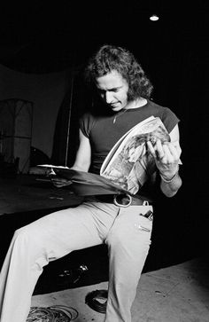 Guitarist Ritchie Blackmore from rock band Rainbow reads a magazine at World Stage rehearsal studio in Los Angeles in June 1977