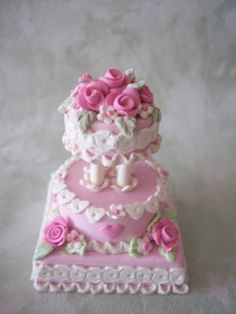I  pink and white miniature Valentine's day wedding cake.  hagerbears.blogspot.com