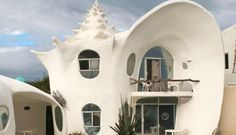 10 Vacation Rentals That Are Way Cooler Than Hotels!