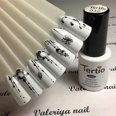 Having short nails is extremely practical. The problem is so many nail art and manicure designs that you'll find online Manicure Nail Designs, Diy Manicure, Diy Nails, Nail Art Designs, Nagel Gel, Flower Nails, Beautiful Nail Art, White Nails, Nail Arts