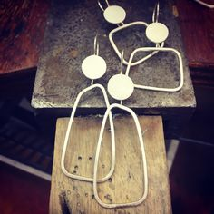 Simple minimalist hoops heading to Cardiff City Hall with me on Friday. See you there ! #contemporarycraft #mbh16