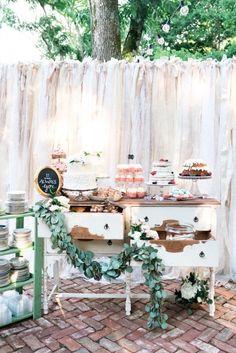 Os casamentos rústicos com toques vintage e ao ar livre fazem muito sucesso no blog. E quando a paleta traz tons pastel então... Leva as nossas leitoras a loucura! Assim é a inspiração que acaba de sair no blog. Estamos suspirando por aqui!    ->http://bit.ly/unanimidade    #casarei #casamento #wedding