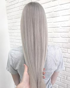 Gray Wigs Lace Frontal Wigs A Good Shampoo For Gray HairGrey Blonde Hi – Aduatify Ombre Hair Color, New Hair Colors, Pretty Hairstyles, Straight Hairstyles, Blonde Grise, Silver Blonde Hair, Pinterest Hair, Silky Hair, Gorgeous Hair