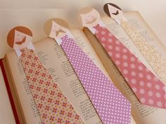 The class of the teacher Valentina: Father's Day Book Crafts, Fun Crafts, Diy And Crafts, Crafts For Kids, Arts And Crafts, Paper Crafts, Cute Bookmarks, Bookmark Craft, Cadeau Parents