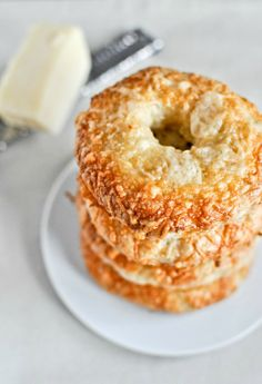 Homemade Asiago Cheese Bagels I howsweeteats.com