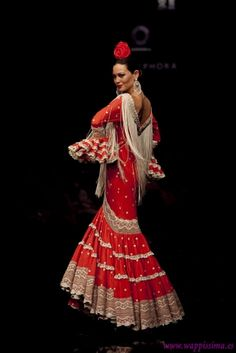 Love the lace. Spanish Costume, Mexican Costume, Spanish Dress, Spanish Art, Flamenco Costume, Flamenco Dancers, Flamenco Dresses, Red Frock, Fashion Models