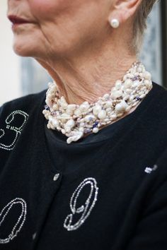 What an awesome necklace!