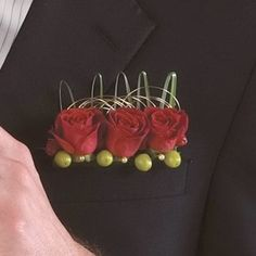 Like wider pocket boutonniere rather than the one flower bud