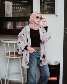 Thick leg, short stature, wide hips … It's not that hard to look elegant w… – Hijab Fashion 2020 Ootd Hijab, Casual Hijab Outfit, Hijab Chic, Hijab Dress, Casual Outfits, Fashion Outfits, Hijab Jeans, Casual Jeans, Classy Outfits