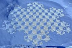 Simon Beck Snow Geometries