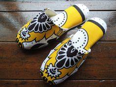 Honey bee flower  Mitsuko's slippers  heiwaslipper.com