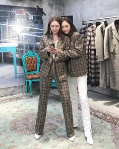 Trendy Fashion, Korean Fashion, Girl Fashion, Fashion Outfits, Jessica & Krystal, Krystal Jung, Jessica Jung Fashion, Stylish Outfits, Cool Outfits