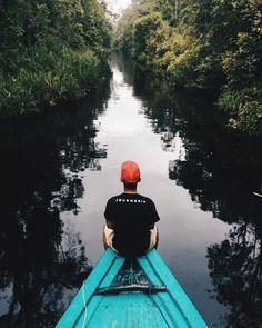 Taman Nasional (TN) Tanjung Puting terletak di semenanjung Kalimantan Tengah. Di sini terdapat konservasi orang utan terbesar di dunia dengan populasi diperkirakan lebih dari 30.000 orang utan yang tersebar di taman nasional. Di sepanjang Sungai Sekonyer kita dapat melihat monyet-monyet yang bergelantungan dari satu pohon ke pohon lainnya.  Kirim kreasi foto perjalananmu menikmati keindahan alam dan keramahan Indonesia! . Caranya: 1. Kunjungi website http://ift.tt/1f5SkAf  2. Baca dan pahami…