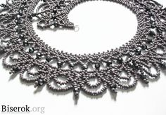 """""""The Queen"""" necklace beading tutorial Seed Bead Necklace, Seed Bead Jewelry, Bead Jewellery, Beaded Jewelry, Handmade Jewelry, Beaded Necklace Patterns, Jewelry Patterns, Jewelry Crafts, Jewelry Art"""