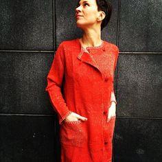 Red and Shiny #aymara #knitwear #babyalpaca #cardigan On Sale 125,00€ in our web shop https://www.goodshaus.com/AYMARA-Strickjacke-Sessil-Chili