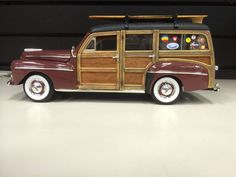 Yat Ming Road Signature 1948 Ford Brown Woody Wagon 1:18 Scale Die-cast #YatMing