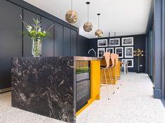Terrazzo tile flooring lasts the test of time - Decoist Stone Kitchen Island, Spring Kitchen Decor, Wooden Countertops, Urban Kitchen, Interior Minimalista, Mid Century Modern Kitchen, Terrazzo Flooring, Best Kitchen Designs, Pantry Design