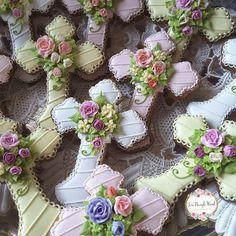 No photo description available. Cross Cookies, Fancy Cookies, Iced Cookies, Cute Cookies, Easter Cookies, Royal Icing Cookies, Birthday Cookies, Sugar Cookies, Christening Cookies