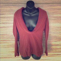 ‼️CLOSET CLOSING‼️ Ann Taylor LOFT sweater Awesome condition!! Worn about 5x. Very comfy. 54% rayon 30% wool 14% nylon 2% elastane. LOFT Sweaters Cowl & Turtlenecks