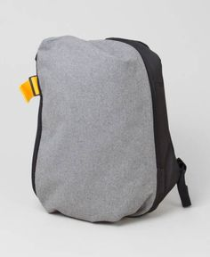 Products we like / Packpack / Clean / Grey / Yellow detail / Minimal / Soft Goods / at lemanoosh