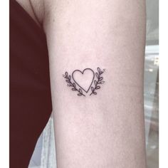 awesome Tiny Tattoo Idea - minimalist tattoo - Buscar con Google...