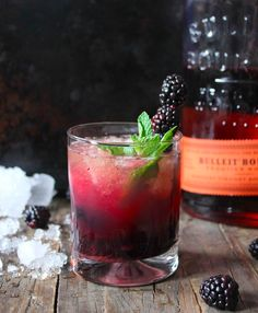 Blackberry Bourbon Smash | 18 Summer Smash Cocktails You Need In Your Life