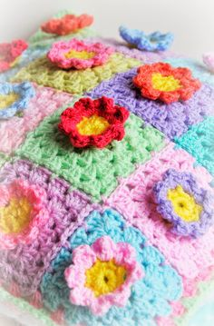 Helen Philipps: Gardens and Crochet