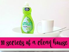 The Ultimate Homemade Streak Free Window Cleaner Diy Cleaning Products, Cleaning Hacks, Cleaning Caddy, Diy Wedding Ring Cleaner, Frozen Water Balloons, Greeting Card Organizer, Gmail Hacks, Fun Christmas Party Games, Painted Coffee Mugs