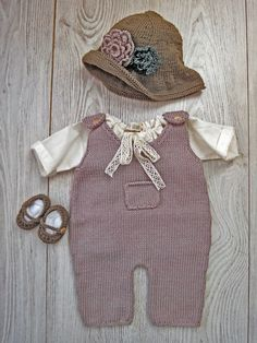 Ensemble bébé fille avec chapeau.