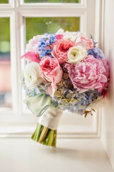 Pastels beuty wedding bouquet ~  Novia Distinctive Photography, Flowers On Orchard Lane  | bellethemagazine.com